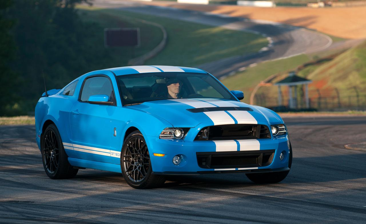 Wow Woodys  2014 Ford Mustang Shelby GT500 vs 2015 Dodge