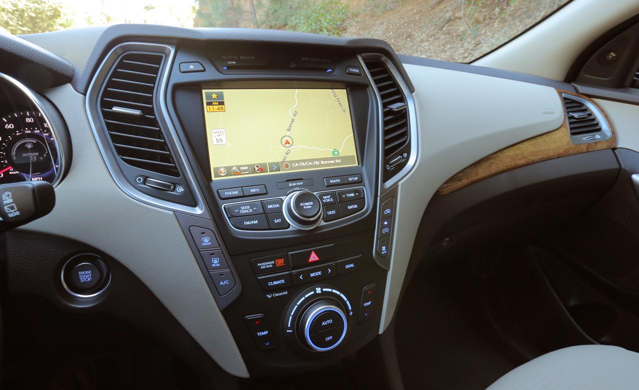 مسجل السيارة هيونداي سنتافي 2014