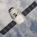 طائرة نقل تجاري تقترب من محطة الفضاء الدولية