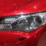 الانوار الامامية للسيارة راف 4 2014