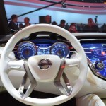 عجلة القيادة الانسيابية للسيارة نيسان مورانو 2014