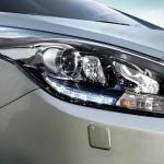الانوار الامامية للسيارة كيا كارنز 2014