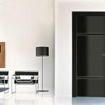 باب غرفة مودرن باللون الأسود