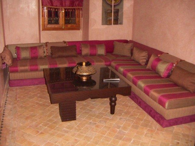 تصميم مجالس عربية كلاسيكية هادئة التصميم   المرسال