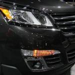 الانوار الامامية للسيارة شفروليه ترافرس 2014