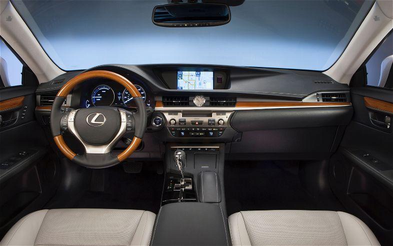عجلة القيادة للسيارة لكزس ES 2014