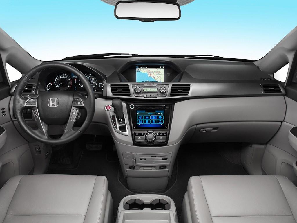 ����� ������ ٢٠١٤ ����� ����� 2014_Honda_Odyssey_Touring_Elite_06.jpg