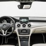 عجلة القيادة متعددة الاغراض للسيارة مرسيدس CLA Class 2014