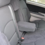 المقاعد الخلفية للسيارة ميتسوبيشي جرانديز 2014