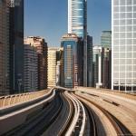 خطوط السكك لمترو دبي بجوار ناطحات السحاب - 39880