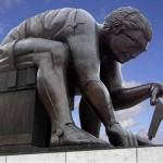 تمثال لنيوتن أمام المكتبة البريطانية من تصميم إدورادو باولوزي عام 1995. - 37363