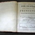 نسخة خاصة بنيوتن من كتابه الأصول الرياضية للفلسفة الطبيعية, عليها تعديلات بخط يده لإضافتها في النسخة الثانية من الكتاب. - 37366