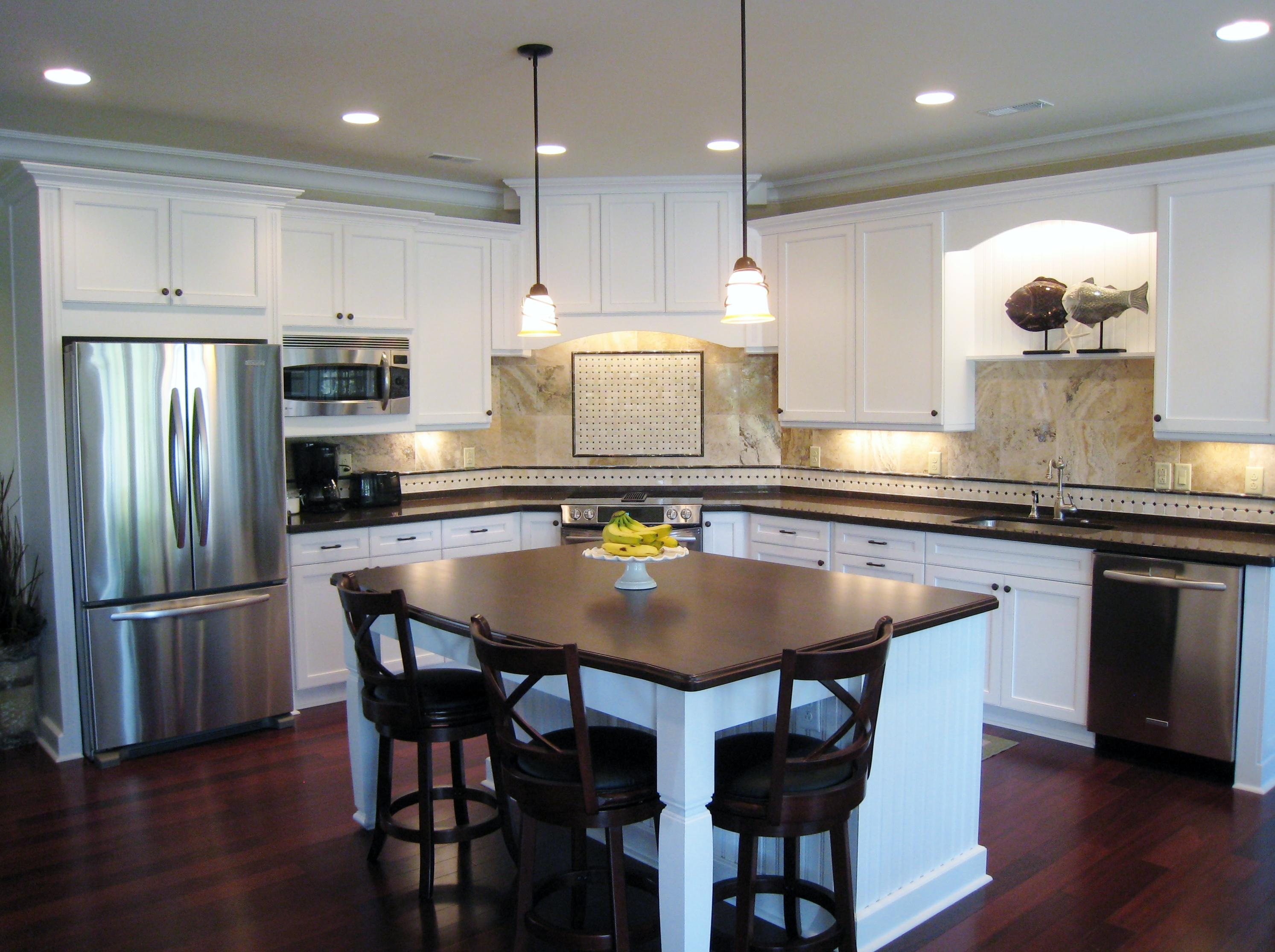 تصميم مطبخ خشب كلاسيكية متألقة