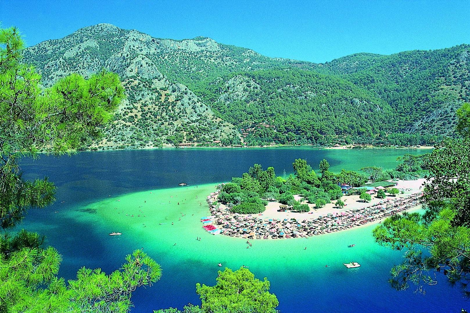 نتيجة بحث الصور عن البحيرة الزرقاء تركيا