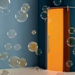 جدران باشكال فقاقيع لباب برتقالي
