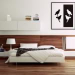 برواز باللون الابيض والاسود فوق السرير بغرفة النوم - 49597