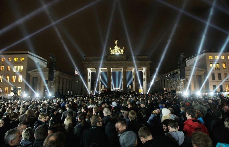 U2-at-the-Brandenburg-Gate