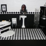 black and white bathroom design ideas 8 150x150 سيراميك حوائط وارضيات حمامات ابيض واسود مربعات مع بانيو انيق ابيض اللون