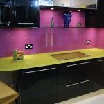 تصاميم مطابخ برخامة صفراء مع دهان باللون الموف - 44717
