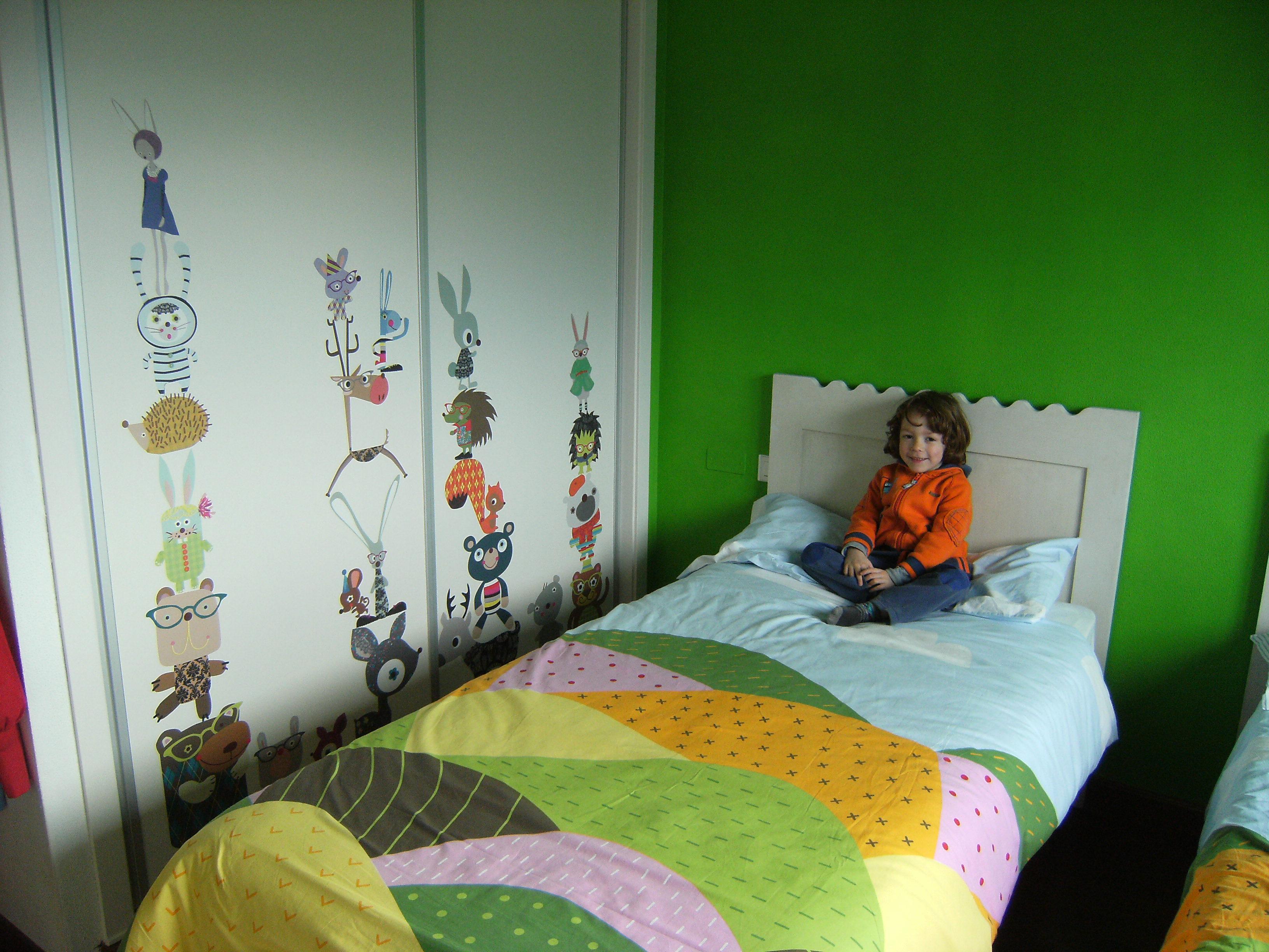 Vinilos decoracion muebles for Vinilos para armarios infantiles
