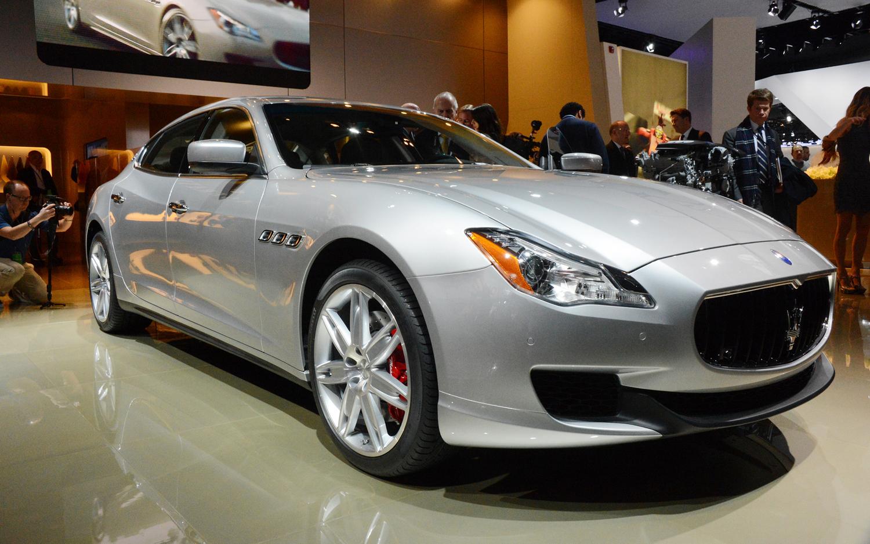 �������� ����������� ٢٠١٤ ����� �������� 2014-Maserati-Quattroporte-front-three-quarters.jpg