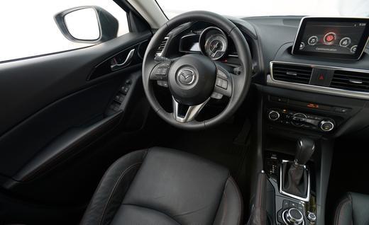 ����� ������� ٢٠١٤ ����� ����� 2014-mazda-3-hatchback-interior-photo-538431-s-520x318.jpg