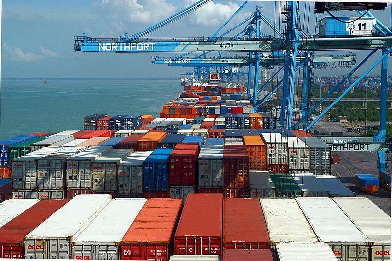ميناء كلانج والتجارة الدولية الماليزية