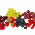 القيمة الغذائية للعنب والتوت