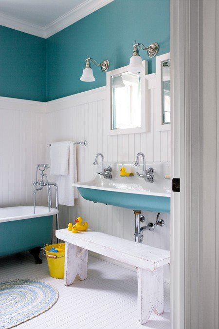 bathroom colors for small bathroom