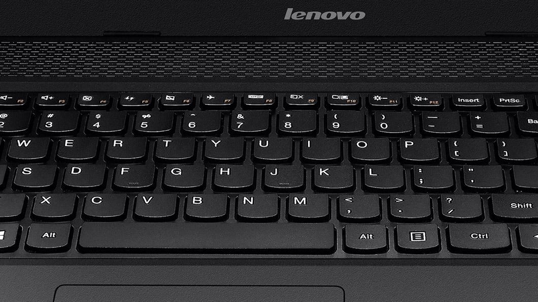 صورة للوحة المفاتيح العادية ذات ال 101 مفتاح قياسي أو أكثر. لوحة مفاتيح  الحاسب المحمول
