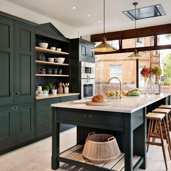 Small Green Kitchen Design: ستايلات متطورة للمطابخ باللون الزيتي