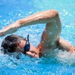 فوائد و اضرار السباحة