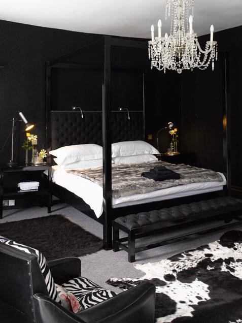 اعمدة لسرير غرف النوم الرومانتيك | المرسال