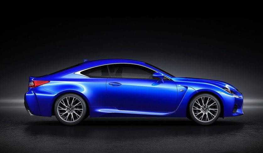 سيارة لكزس 2015