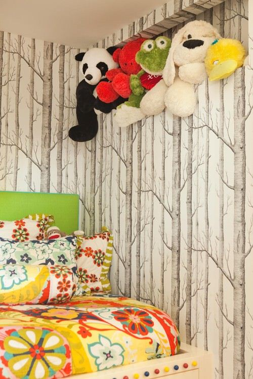 ����� ����� ����� ������ ������� Cole-And-Son-Woods-Wallpaper-For-A-Kids-Room-Equipped-With-Animal-Dolls-Below-Roof-And-Flower-Pattern-Pillows.jpg
