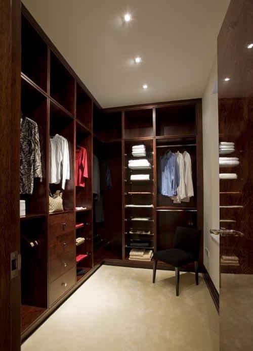 اللون البني في غرف ملابس مفتوحة | المرسال
