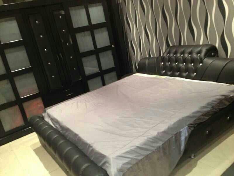 ستائر غرف نوم باللون الرمادي والابيض | المرسال