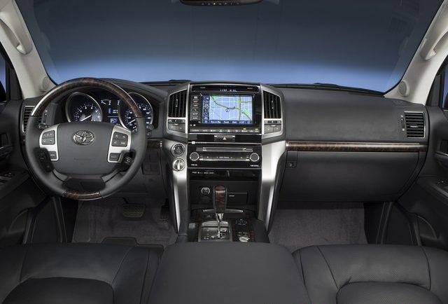 ����� ��������� ���� ٢٠١٤ ������� Toyota-Land_Cruiser_2013_photo_22.jpg