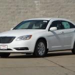 المتحدة للسيارات تقدم كرايسلر 200 ال اكس 2014 Chrysler 200 LX