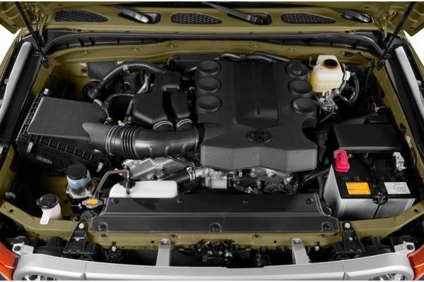 ������� ������ ������ ٢٠١٤ ������ 2014-Toyota-FJ-Cruiser-SUV-Base-4dr-4x2-Photo-3.jpg
