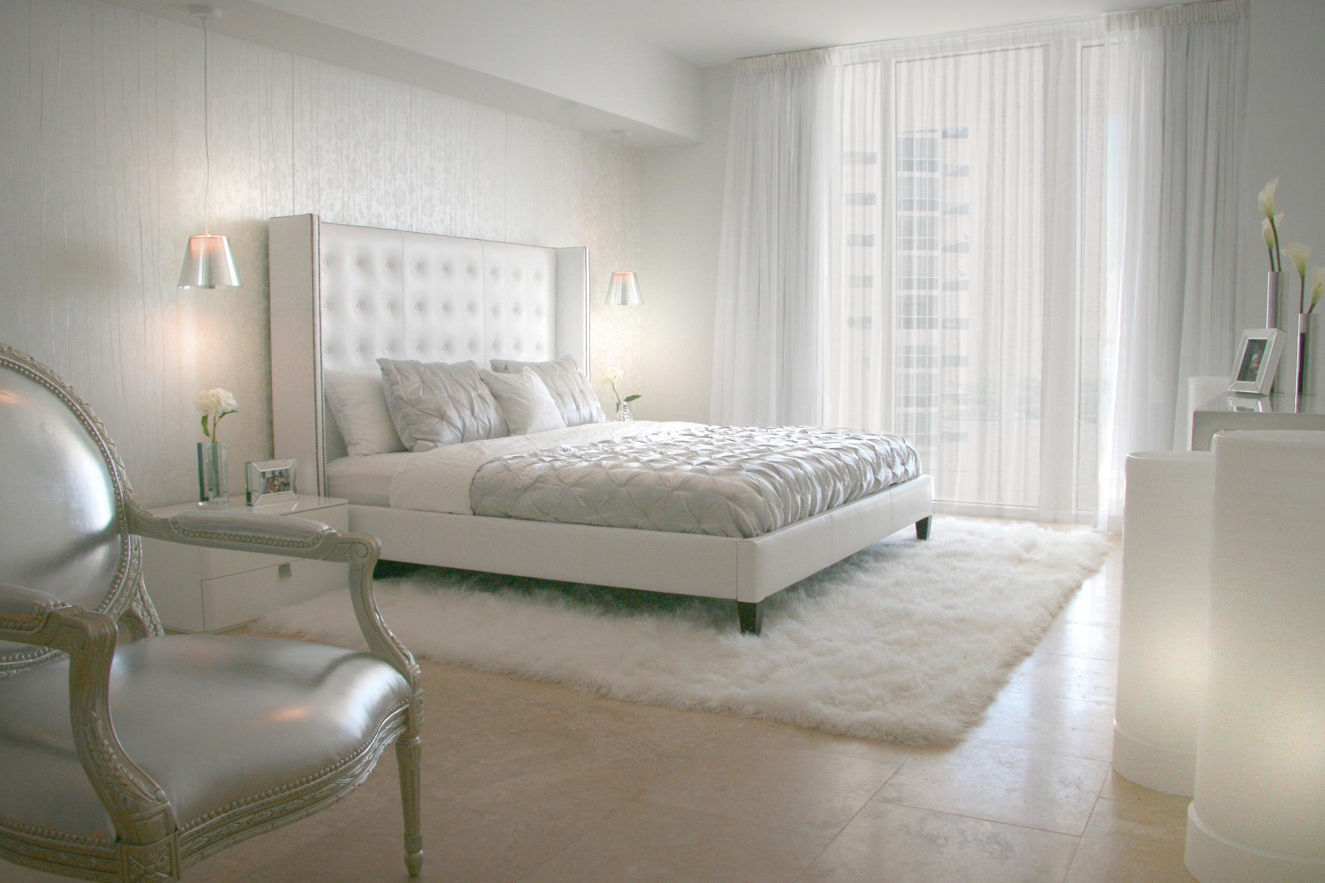 تزيين ستائر غرف النوم البيضاء | المرسال