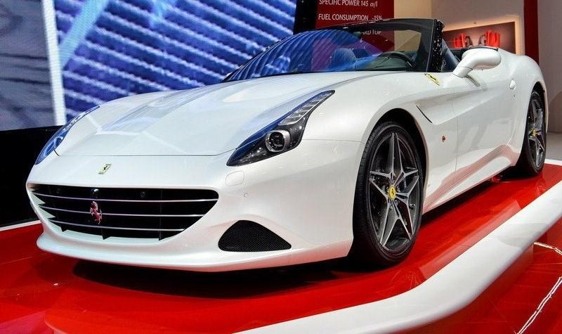 895175428 2015 Ferrari California T. انوار فيراري كاليفورنيا تي 2015