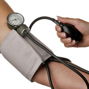 اعراض و اسباب انخفاض ضغط الدم و علاج فوري للحالة
