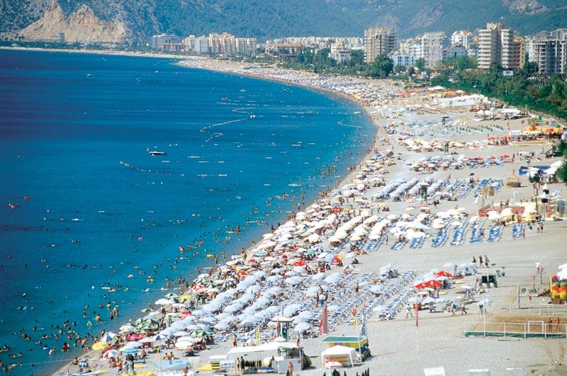 شاطئ كونيالتي في انطاليا Konyaalti-Beach