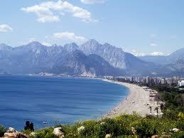 شاطئ كونيالتي في انطاليا Konyaalti_Beach_Antalya
