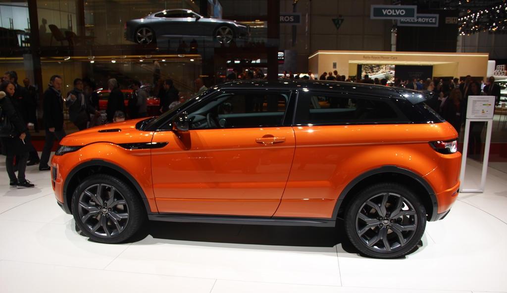 ������� ���� ������ ٢٠١٥ ���� Land-Rover-Range-Rover-Live-Photo-07.jpg
