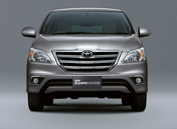 Find New Mobil Toyota Kijang Innova Th 2014 Indonesia Model on