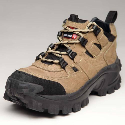 3988b69e6 صورة لحذاء رياضي من ماركة وودلاند Woodland sport shoes