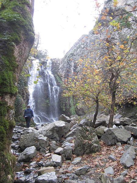 صورة لشلالات يالوفا في الخريف