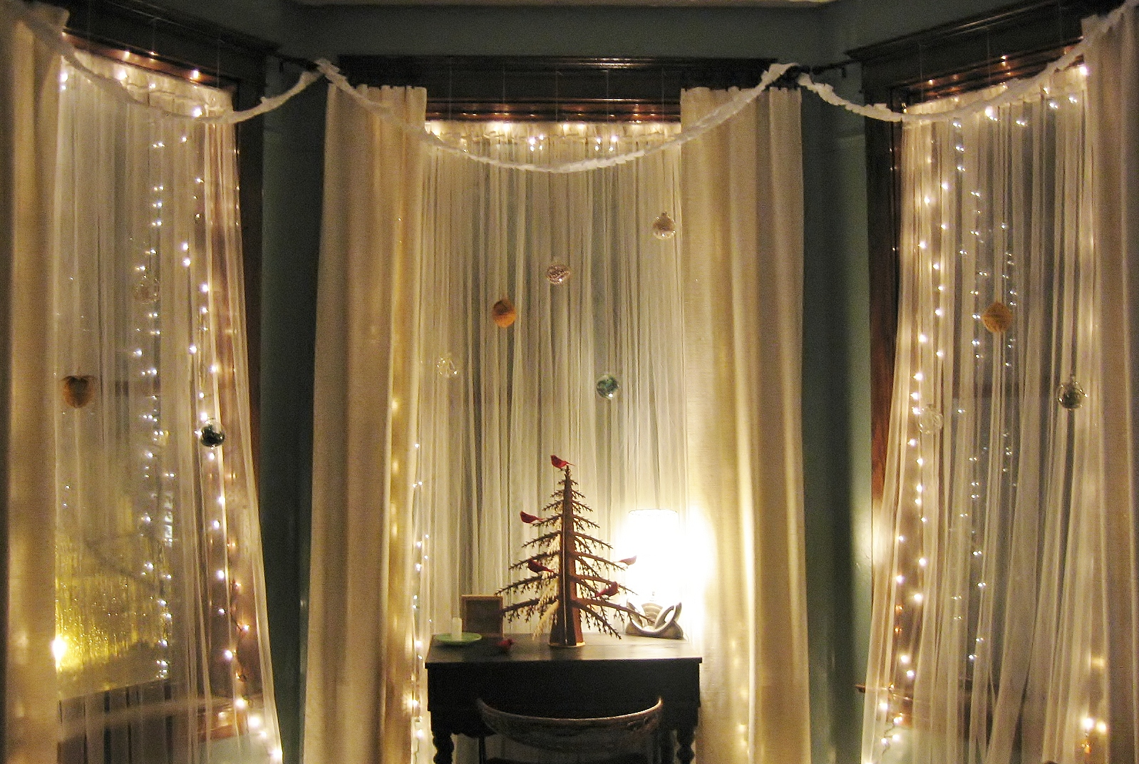 -style-christmas-window-decoration-with-lovely-cardboard-christmas ...